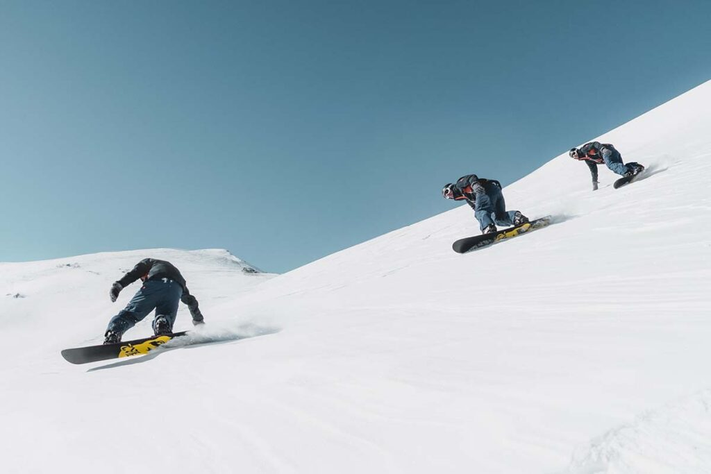 System Timeless and Summit Complete Men's Snowboard Package